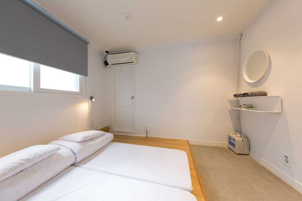 Small but clean private room for 3people
