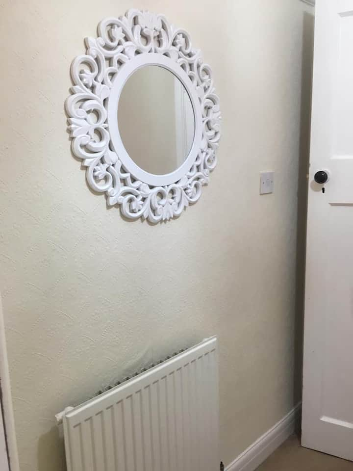CLEAN AND TIDY Single room  Female only
