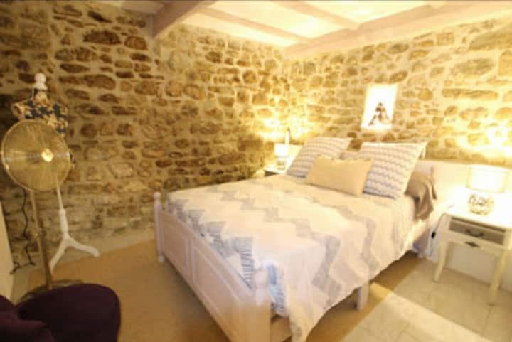 Roquebrune-sur-Argens, 4 personnes, 9 kms mer