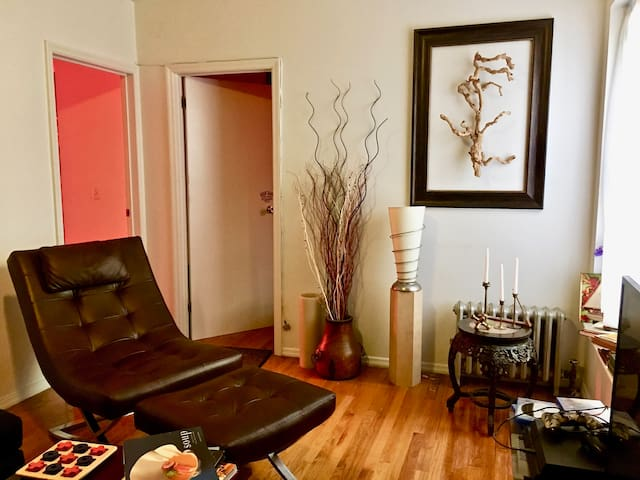 Bright, Beautiful 2 BD, great location UES