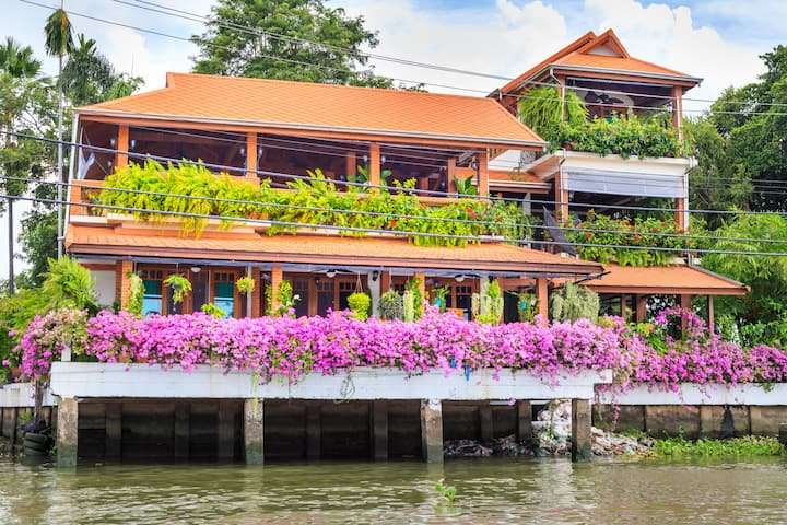 Charming riverside home opposite Koh Kret