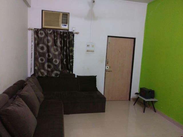 White room - Mumbai - Wohnung