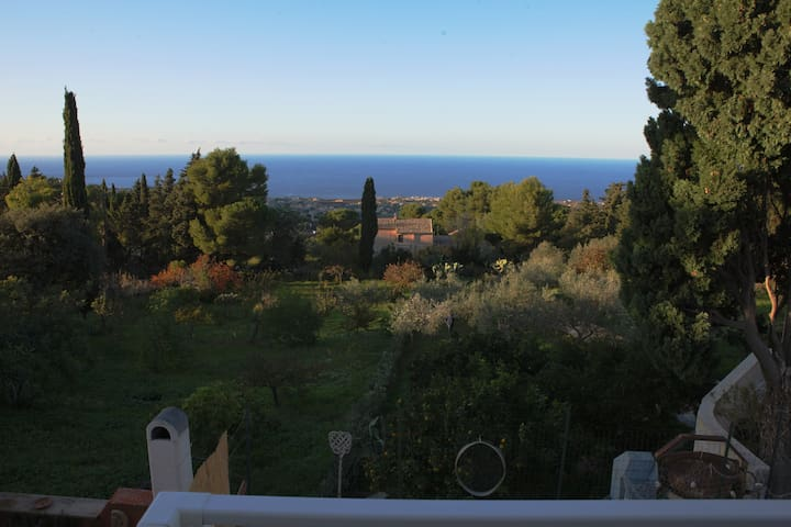 Dream on the blue house (CAMERE  VISTA MARE)