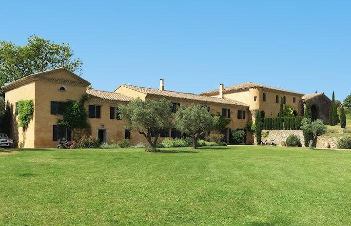 Luxury Private Villa in SW France, Sleeps 22