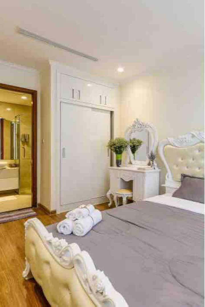 Vinhomes Central Park, 2 Bedroom. L5