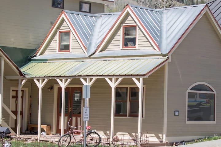 Absolute Downtown Location, 5 Mins To Town Park! - Telluride - Condominium