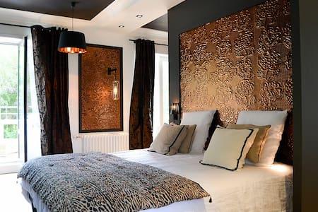 Villa Louisa - Chambre Ambre - Bobital - 住宿加早餐