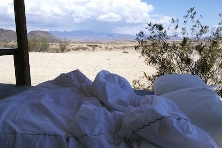 Cozy Caravan  with incredible views - Terlingua