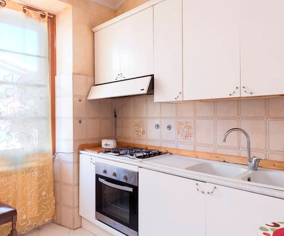 FarmHouse with Bed KING 2x2 MT  close 30 km Rome