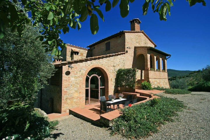 VIRGILIUS - Cozy Tuscany villa with stunning views