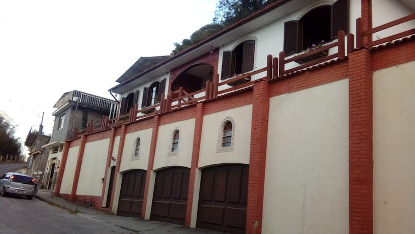 Fachada do HostelMdeMarília