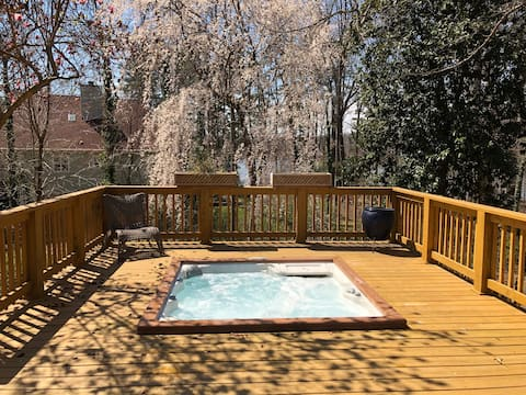 Weekend Get Away with private hot tub