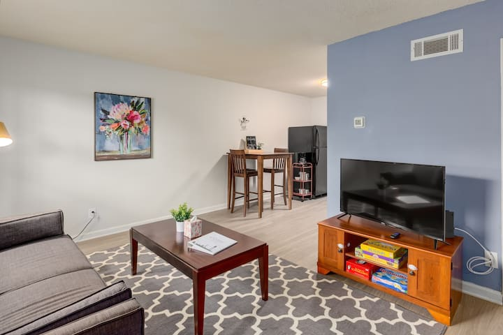When you walk in, you enter the living room equipped with a couch, Smart TV and some board games. We provide free Netflix for all of our guests, however the TV does not have cable. It is a smart TV, al you are welcome to use other apps you have to stream shows/movies.