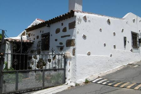 Casa Los Mirlos - El Roque