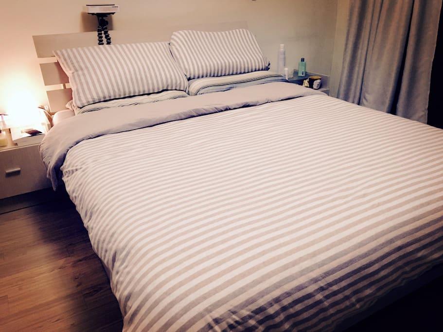 双人大床 Queen size