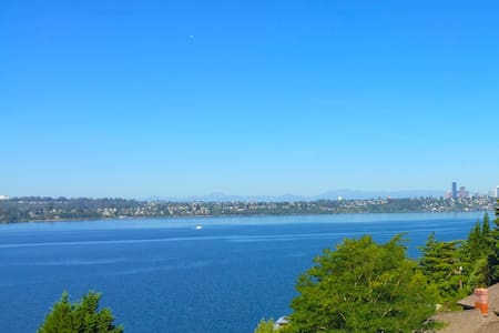 Stunning Lake View Suite between Seattle, Bellevue - Mercer Island