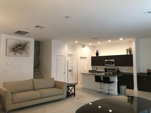 Entirely Private 4 Bdrm Townhouse w Modern Flair
