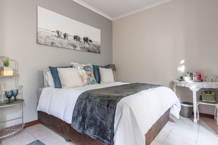 Private and comfortable ensuite - Broadacres - Huis