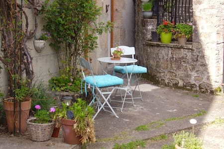 Tres Joilie Maison - Crozant - Bed & Breakfast
