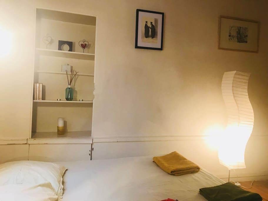 charmant studio de 25m2 od on apartments for rent in paris le de france france. Black Bedroom Furniture Sets. Home Design Ideas