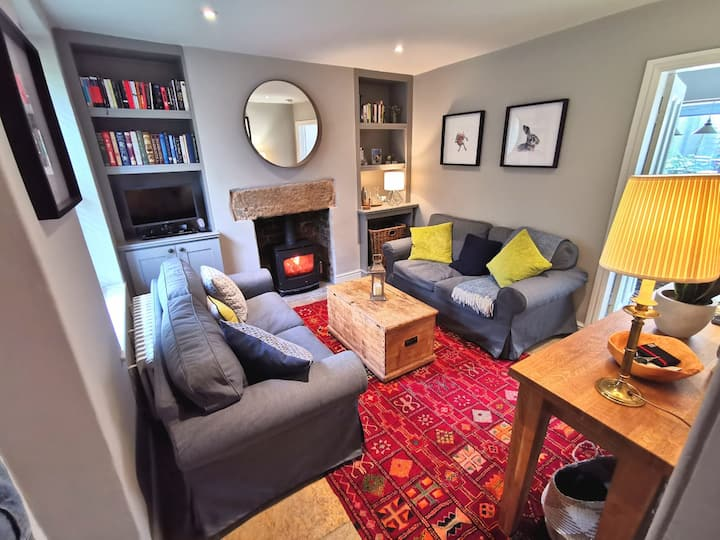 Cyclists, walkers, couples - stylish rural retreat