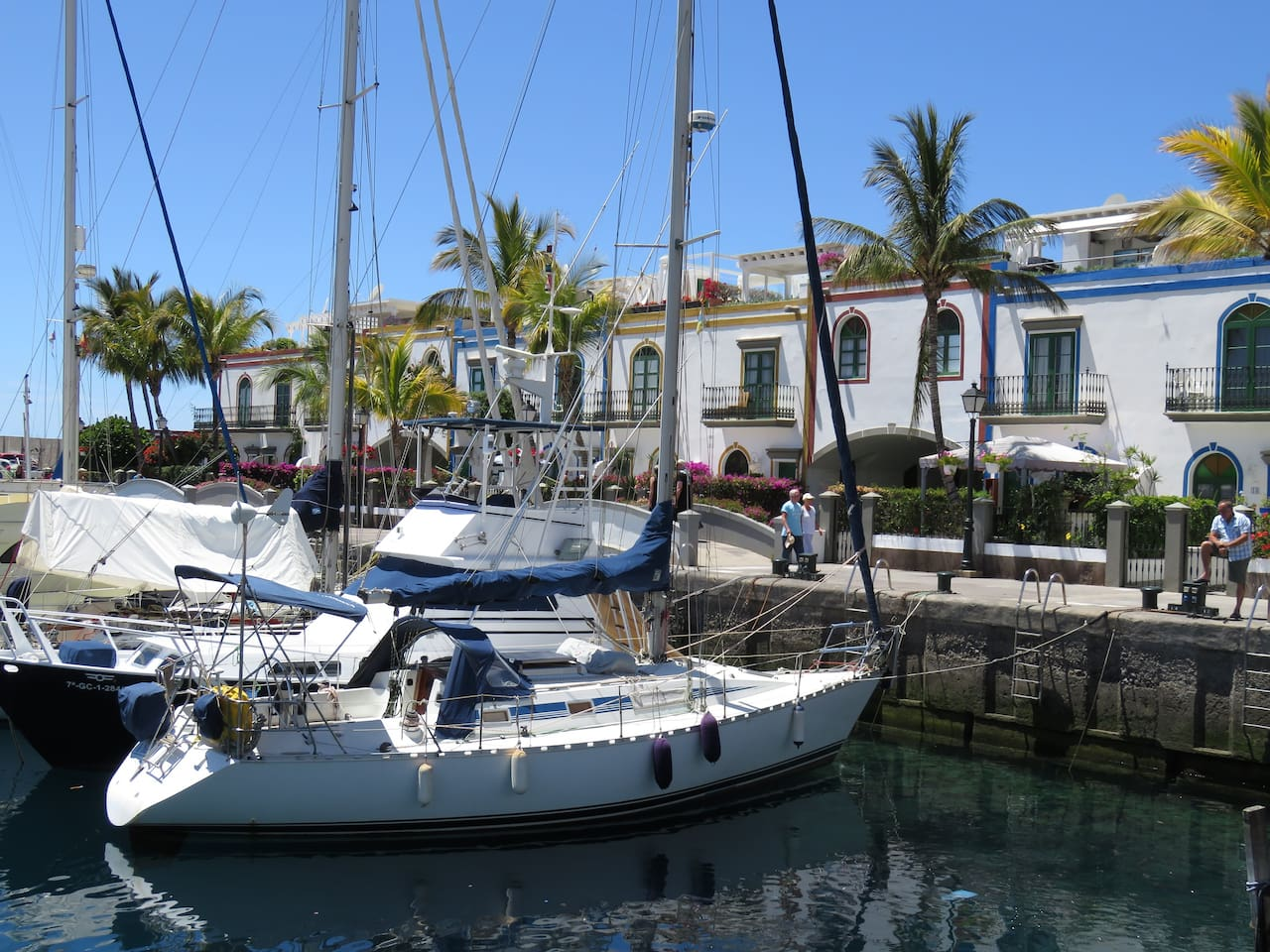 Wonderful local area with great scenery and locally sourced seafood (Puerto De Mogán)
