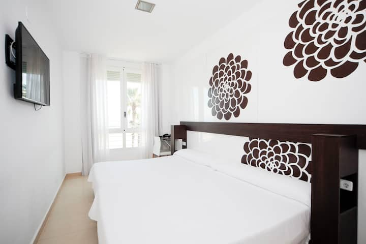 Sol Playa, Family room in the first line of beach
