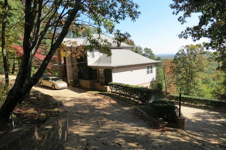 Majestic View Home with Panoramic Sunrises - Ooltewah - House