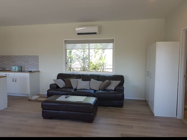 caroles cozy corner