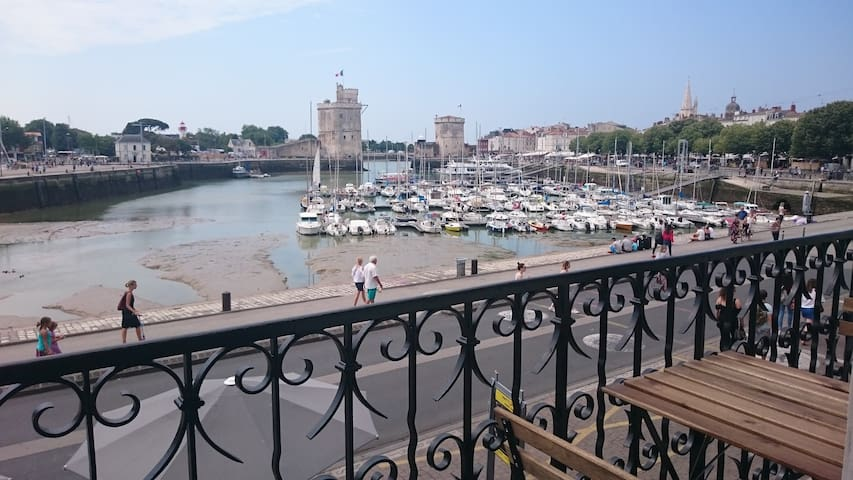 Flat - wonderfull view on the old harbour and sea