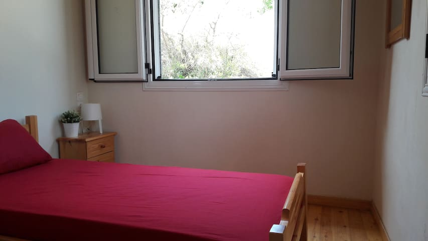 Traditional House in Lefkada-Single Room - Agios Petros - บ้านพักตากอากาศ