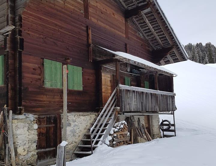 Hütte für mindestens 3 Monate über Winter