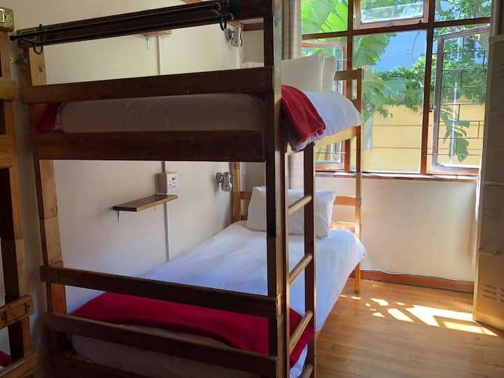 A Sunflower Stop - Bed in 8-Bed Dormitory Room