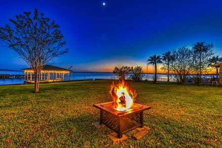 Beautiful Lake-Front home you'll never forget!