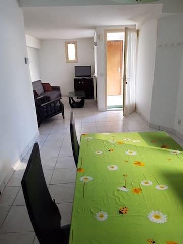 Appartement f2 de 53 m² en plein coeur d Itxassou