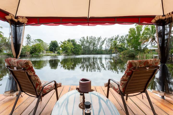 4 The Middelburg Your Oasis on the Lake Naples FL