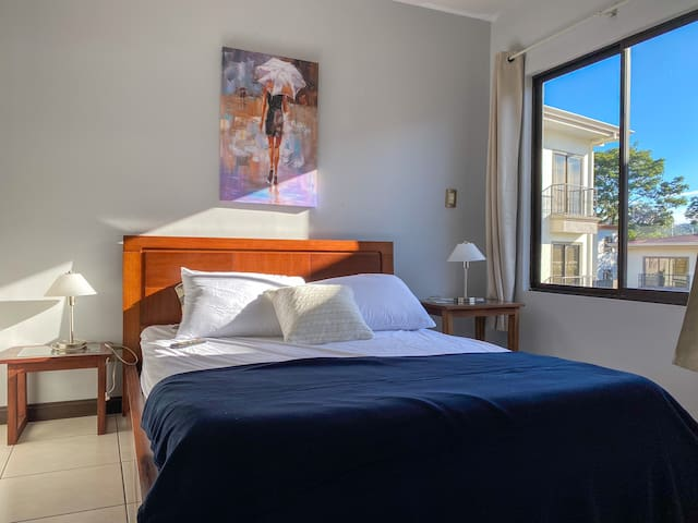 [Best Prices in the Zone]- Beautiful 2B Apt -Clean