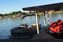 Guest docked his Pontoon no problem right next to dock for 2 days