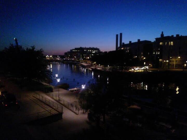 Merimaisemallinen koti Helsingin keskustan lähellä