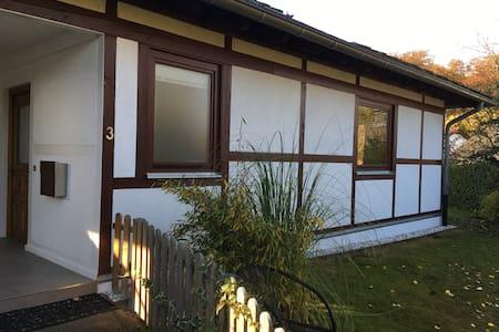 Einliegerwohnung im Fachwerkhaus - Königswinter - Apartamento