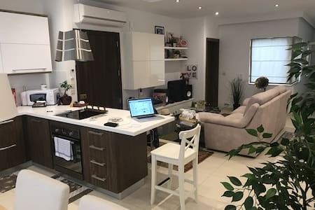 3 bedroom penthouse close to Paceville and Sliema