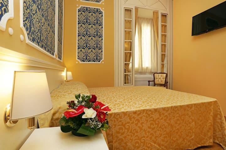 Camera privata elegante in via Veneto - Roma - Bed & Breakfast