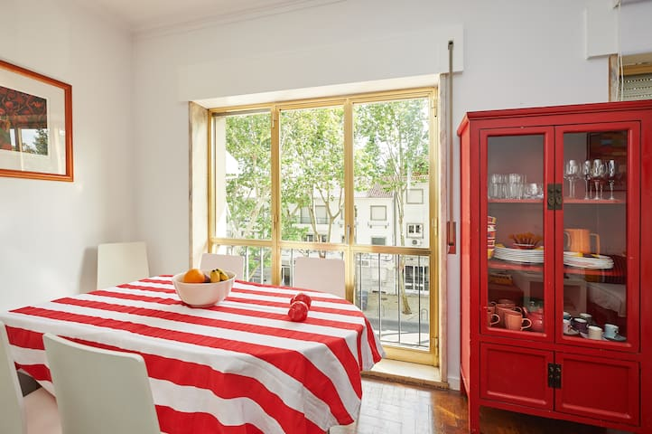 Cascais -Center, Two modern bedrooms apartment