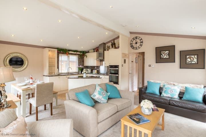 Valley View Lodge, Limefitt Holiday Park