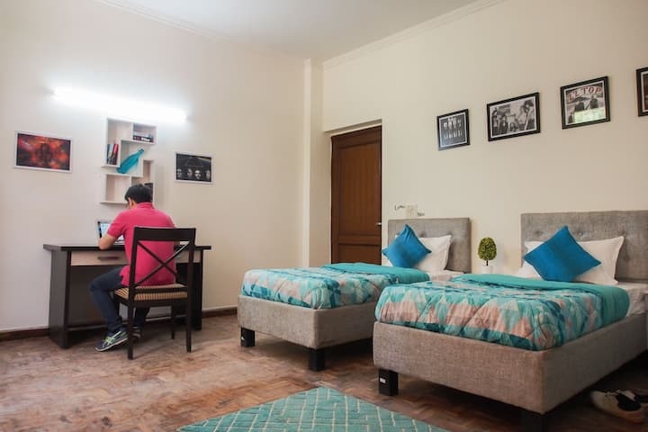 Homely Stay in the Heart of the City