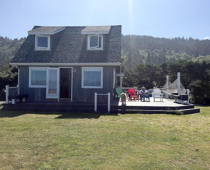 Oceanfront Bungalow w/Beach Access On Oregon Coast