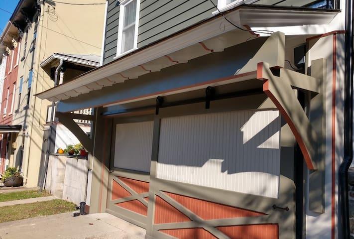 The Barn Door Cottage in Lambertville