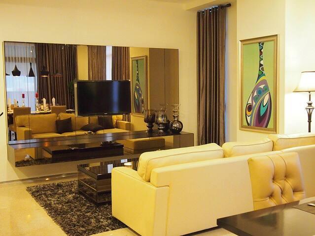 Lux 2+1 BR Apartment in d'Heart of Jakarta - Kebayoran Baru - Pis