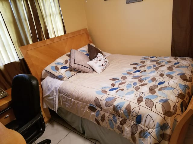 PRIVATE ROOM IN MIAMI # 2