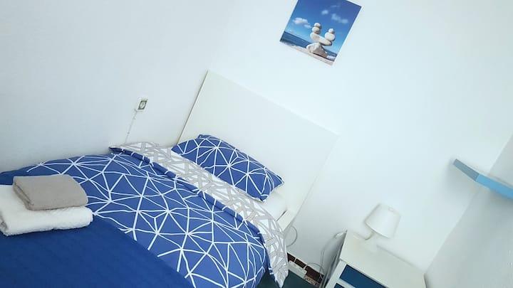Una habitación comfortable y luminosa!!!